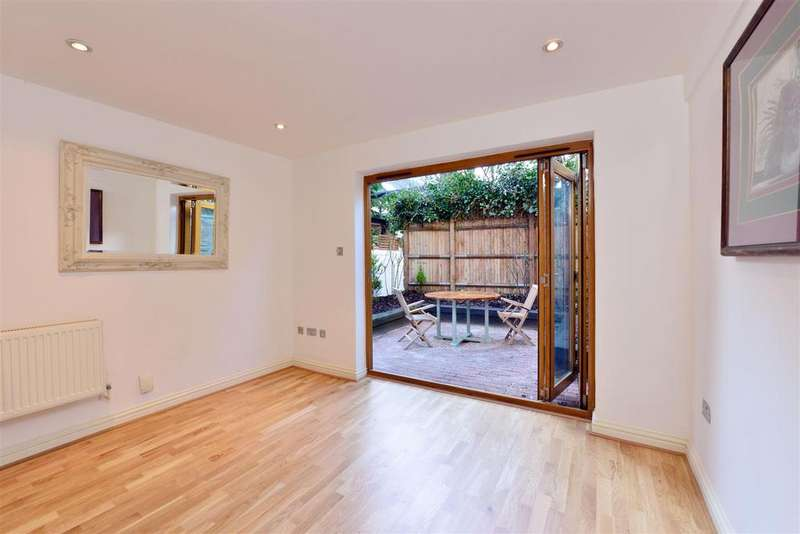 2 Bedrooms Flat for sale in Salusbury Road, London