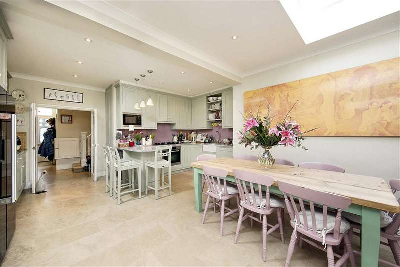 5 Bedrooms Semi Detached House for sale in Connaught Avenue, London, SW14