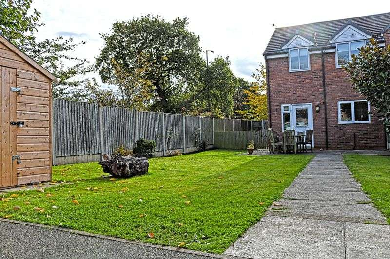 3 Bedrooms Terraced House for sale in Werburgh Close, Lymm