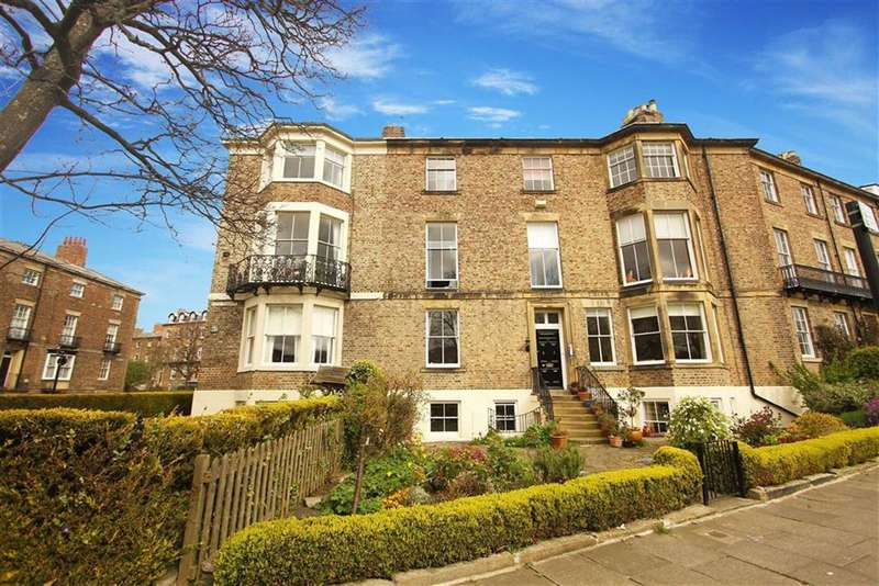2 Bedrooms Flat for sale in Bath Terrace, Tynemouth, Tyne And Wear