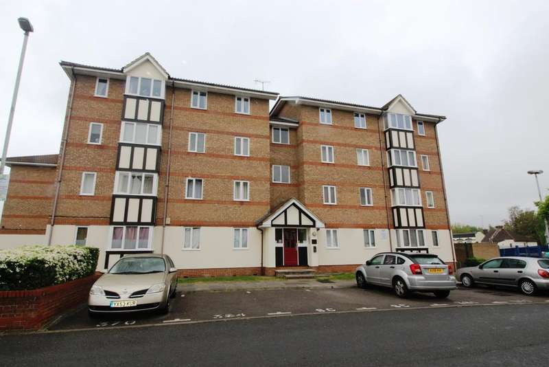 2 Bedrooms Flat for sale in Chandlers Drive Erith DA8