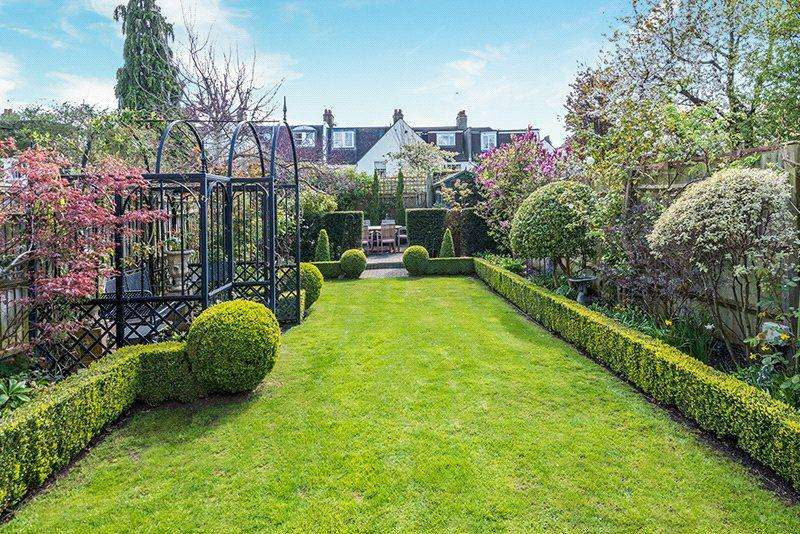5 Bedrooms Terraced House for sale in Loxley Road, Wandsworth Common, London, SW18