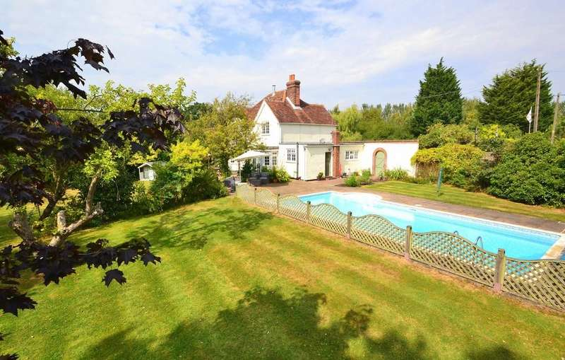 4 Bedrooms Detached House for sale in Southend Road, Howe Green