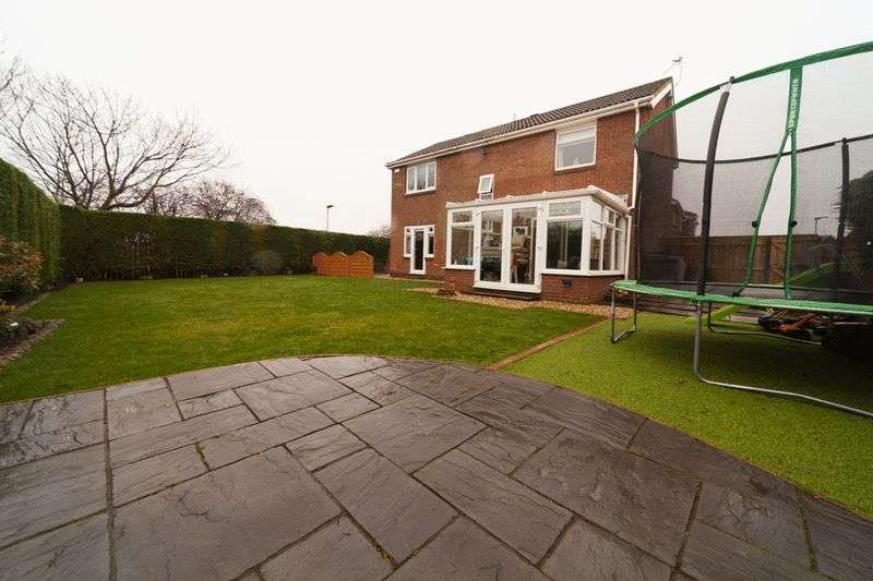 4 Bedrooms Detached House for sale in Elstree Gardens, Blyth