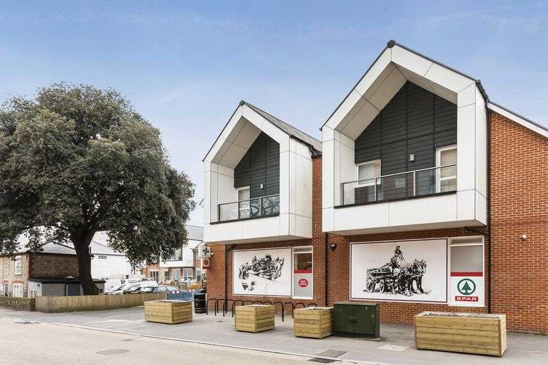 2 Bedrooms Flat for sale in Old Brewery Way Horndean , Waterlooville