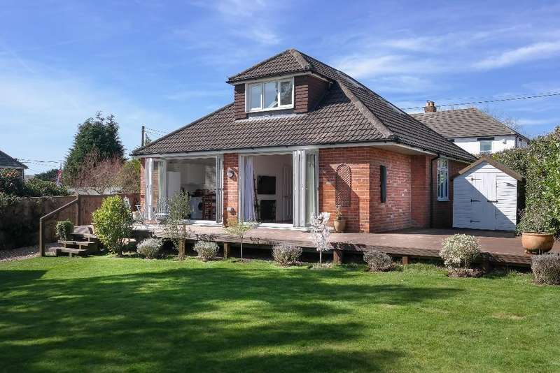 5 Bedrooms Detached House for sale in High Street, Shirrell Heath, Hampshire