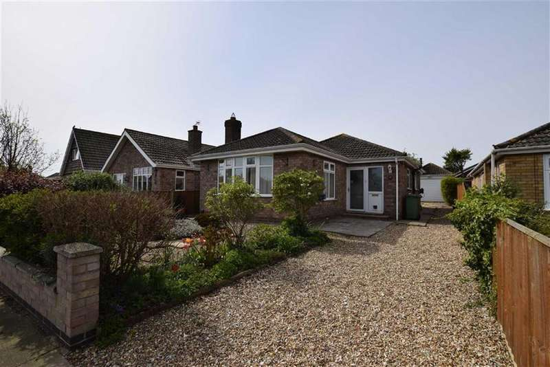 3 Bedrooms Detached Bungalow for sale in Berkeley Road, Cleethorpes, North East Lincolnshire