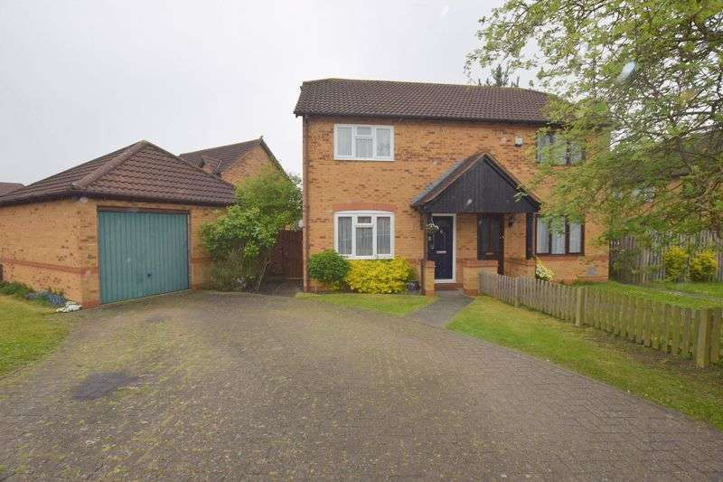 3 Bedrooms Semi Detached House for sale in Calverleigh Crescent, Furzton, Milton Keynes