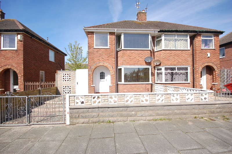 3 Bedrooms Semi Detached House for sale in Carnforth Avenue, Blackpool