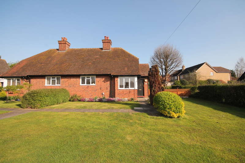 2 Bedrooms Semi Detached Bungalow for sale in Randalls Close, Bromham, MK43