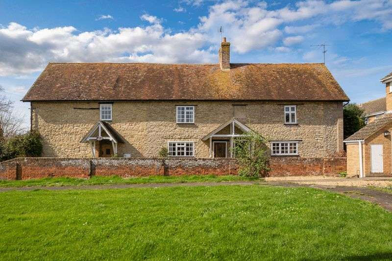3 Bedrooms Cottage House for sale in Radwell Road, Milton Ernest, Bedfordshire