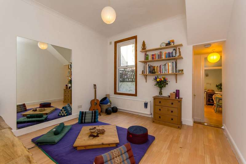 1 Bedroom Flat for sale in Bolton Road, Harlesden, NW10