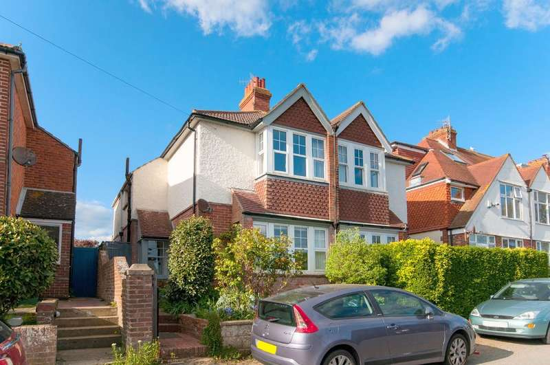 3 Bedrooms House for sale in Sutton Drove, Seaford, BN25 3NN