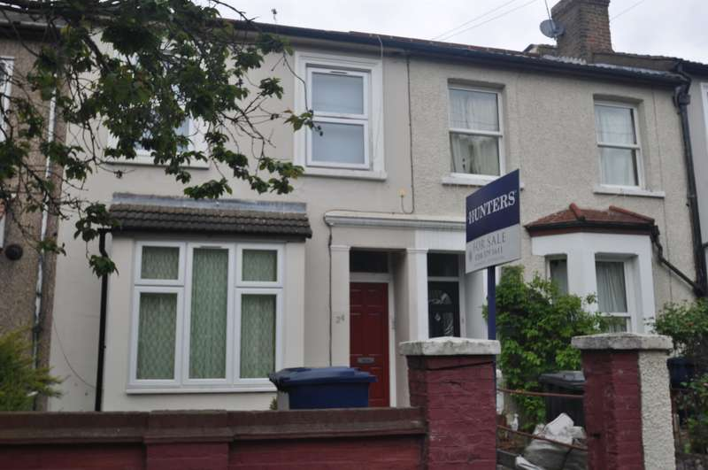 1 Bedroom Ground Flat for sale in Rosebank Road, Hanwell, London, W7 2EN