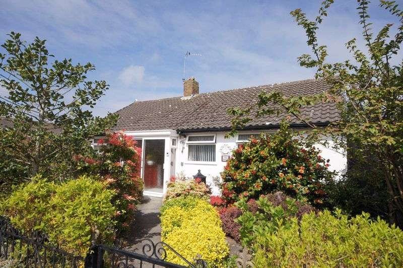 2 Bedrooms Detached Bungalow for sale in Marksway, Pensby