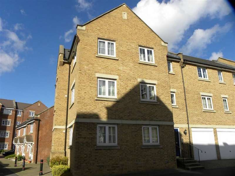 2 Bedrooms Flat for sale in Bramley Court, DUNSTABLE, Bedfordshire, LU5