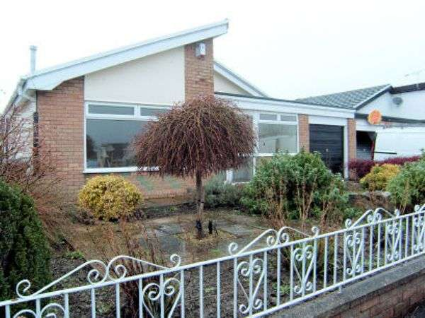 3 Bedrooms Detached Bungalow for sale in Trefnant