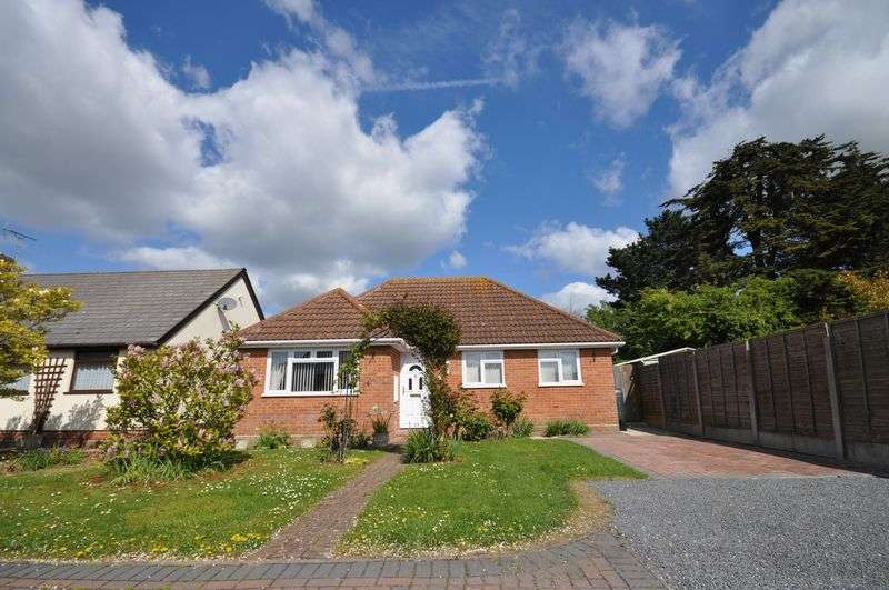 2 Bedrooms Detached Bungalow for sale in Stable Close, West Mersea,