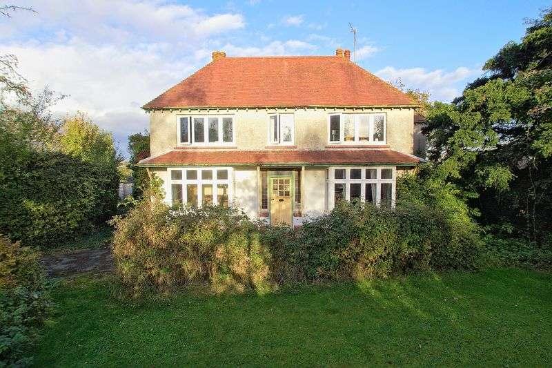 4 Bedrooms Detached House for sale in Elm Grove, Barnham, Bognor Regis