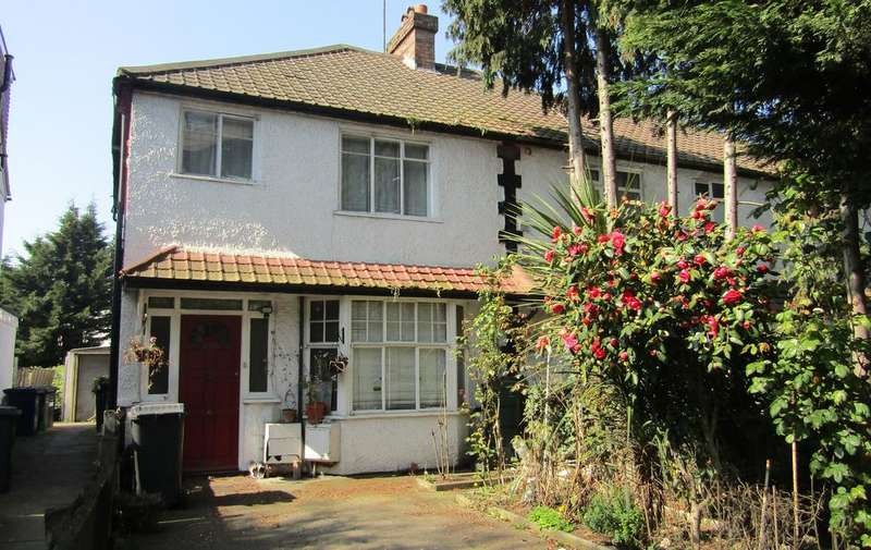 3 Bedrooms Semi Detached House for sale in Watford Way, Hendon, London NW4