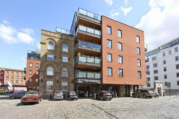 2 Bedrooms Flat for sale in Oval Road, Camden, NW1