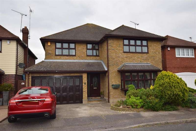 4 Bedrooms Detached House for sale in Castle View Road, Canvey Island