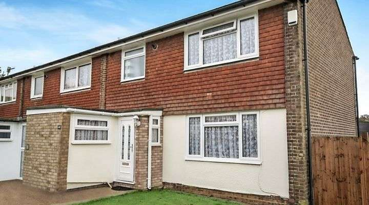 3 Bedrooms Terraced House for sale in Scutes Close, Hastings, East Sussex, TN34 2BU