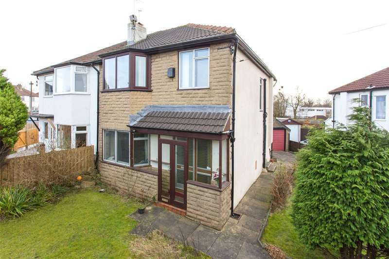 3 Bedrooms Semi Detached House for sale in Kingsmead, Leeds, West Yorkshire, LS14