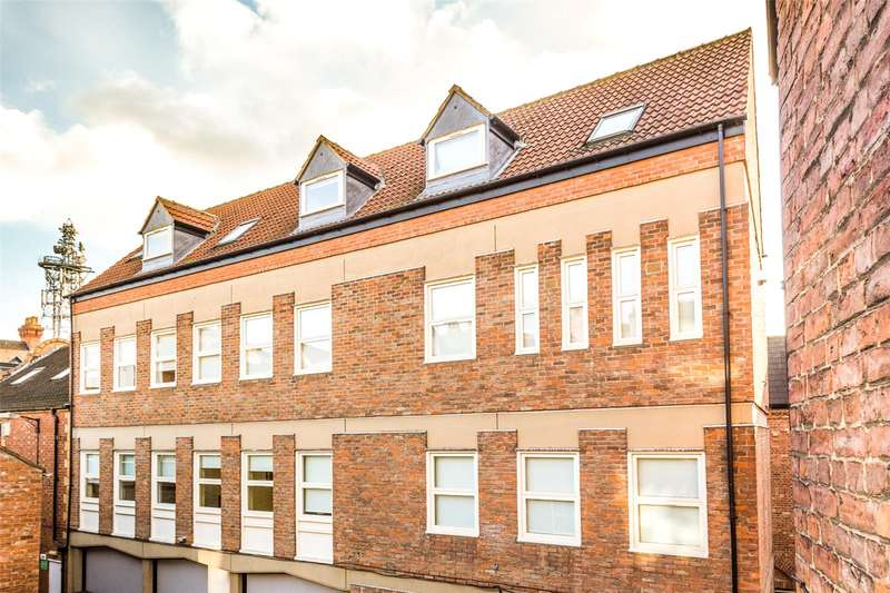 2 Bedrooms Flat for sale in Flat 7, Lady Pecketts Yard, York, North Yorkshire, YO1