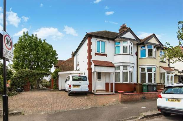 3 Bedrooms End Of Terrace House for sale in Castleton Road, Walthamstow, London