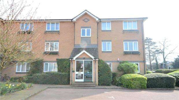 2 Bedrooms Apartment Flat for sale in Hedingham Mews, All Saints Avenue, Maidenhead