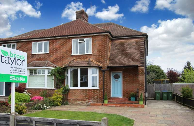 2 Bedrooms Semi Detached House for sale in Orchard Road, Horsham