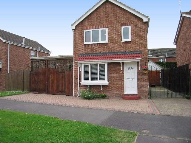 3 Bedrooms House for sale in More Hall Drive, Sutton, HU8 9XE