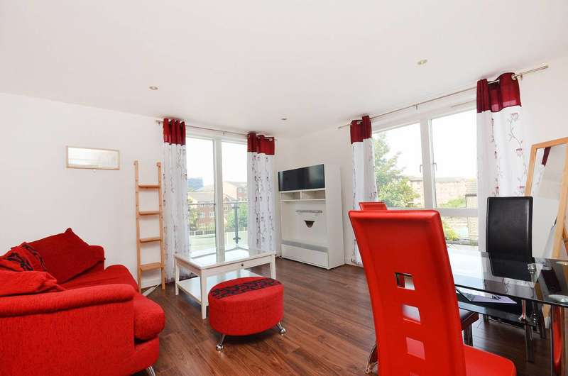 2 Bedrooms Flat for sale in Chenla Building, Lewisham, SE13