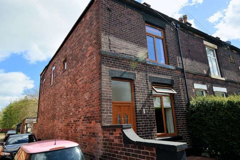 3 Bedrooms Terraced House for sale in Stephen Street South, Bury