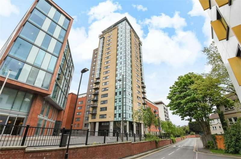2 Bedrooms Flat for sale in Burford Wharf Apartments, 3 Cam Road, London