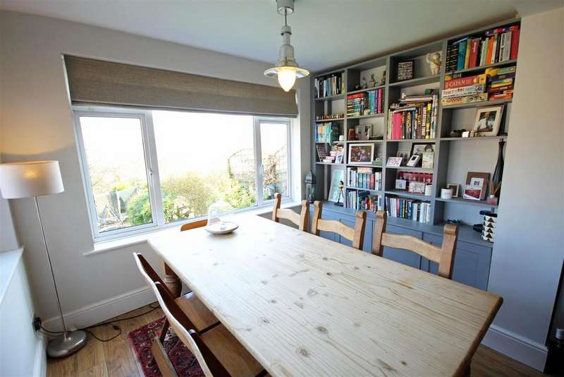 5 Bedrooms Semi Detached House for sale in Eldred Avenue, Westdene, Brighton
