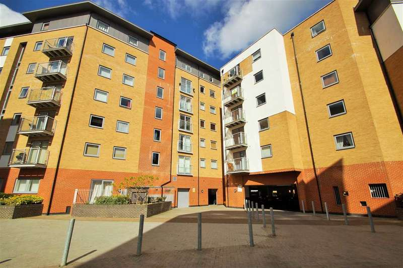 2 Bedrooms Flat for sale in Sail House, Ship Wharf, Colchester