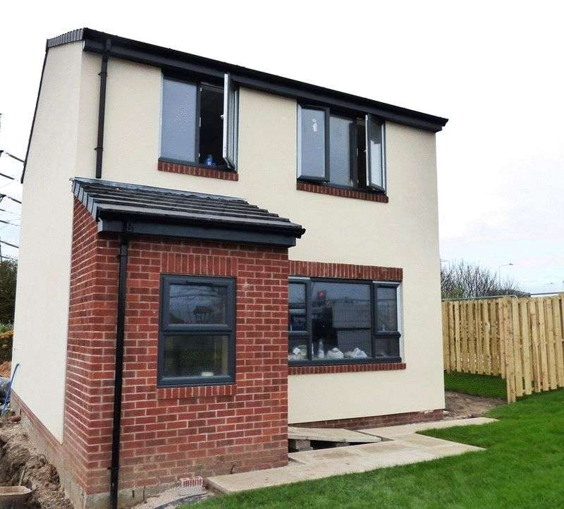 3 Bedrooms Detached House for sale in Mcdonald Road, Morecambe