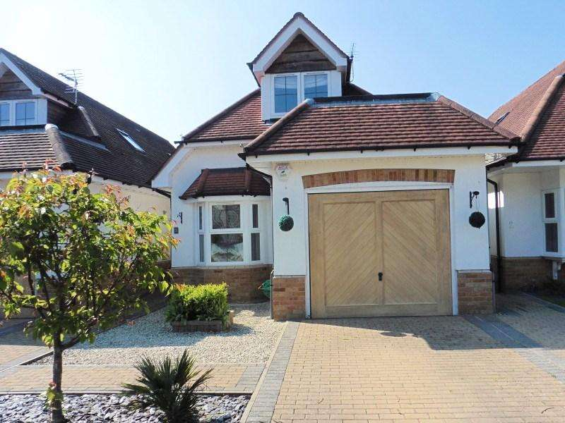 3 Bedrooms Detached House for sale in Stour Gardens, Northbourne, Bournemouth