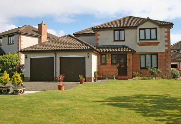 3 Bedrooms Detached House for sale in 15 Newhaven Grove, Largs, KA30 8NS