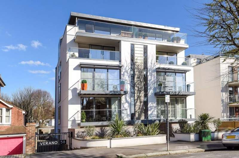 3 Bedrooms Flat for sale in Palmeira Avenue Hove East Sussex BN3