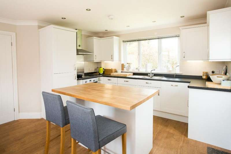 3 Bedrooms Detached House for sale in Nettlesworth Lane, Vines Cross, East Sussex, TN21 9EN