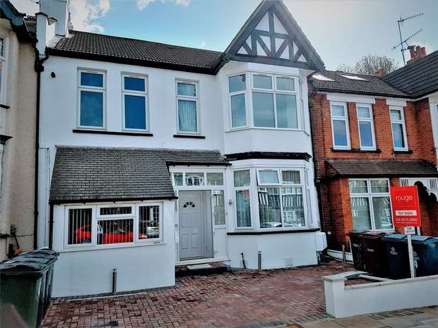1 Bedroom Flat for sale in Butler Avenue, Harrow, Middlesex