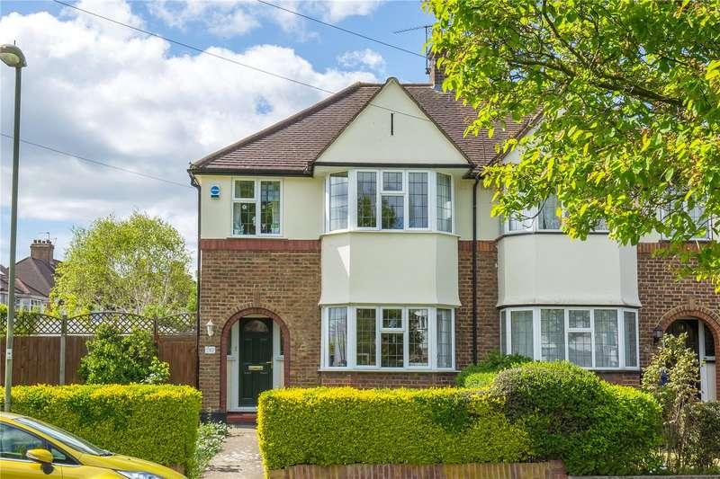 3 Bedrooms Semi Detached House for sale in West Walk, East Barnet, Barnet, EN4