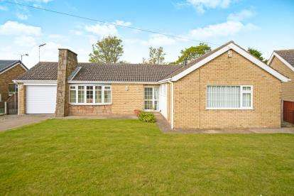 3 Bedrooms Bungalow for sale in Bodmin Moor Close, North Hykeham, Lincoln, Lincolnshire