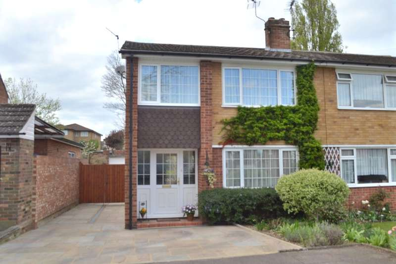 3 Bedrooms Semi Detached House for sale in Kilby Close, Garston Watford