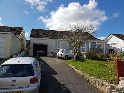 3 Bedrooms Bungalow for sale in Wadebridge, Cornwall, .