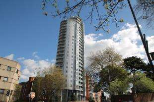 1 Bedroom Flat for sale in Altitude Apartments, 9 Altyre Road, Croydon