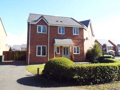 3 Bedrooms Semi Detached House for sale in Moorhead Close, Litherland, Liverpool, Merseyside, L21
